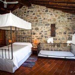 Ambelikos Traditional Hotel In Potamitissa