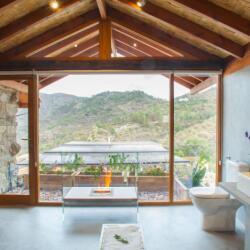 Lyhnos Dixoro Bathroom