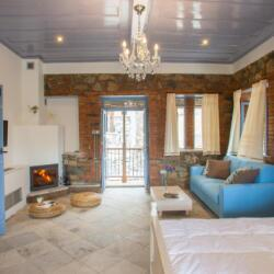 Lyhnos Sanidoto Bedroom